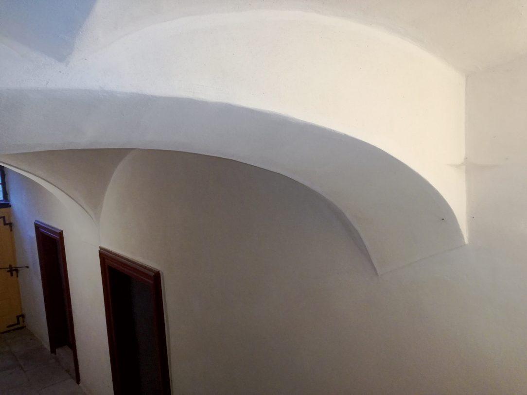 Ideální omítka pro sklepní prostory zatížené vlhkostí