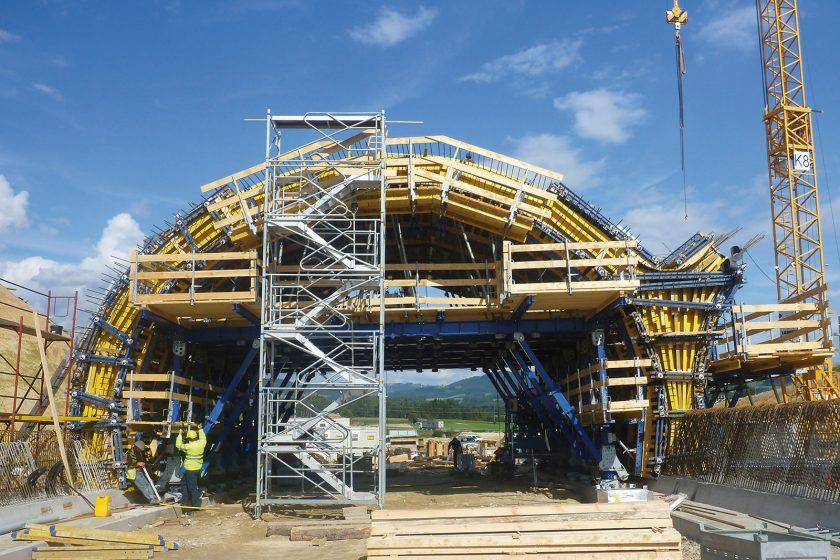 Tunelový bednicí systém byl vyvíjen v úzké spolupráci mezi stavebními firmami a společností Doka. foto Doka