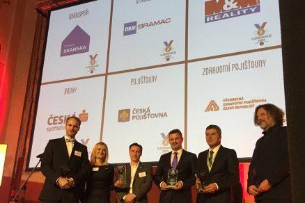 Ocenění Nejdůvěryhodnější značka 2018 za BRAMAC převzali generální ředitel společnosti Mag. Gerald Resch MBA CSE a vedoucí marketingového oddělení Ing. Petra Sinkulová.