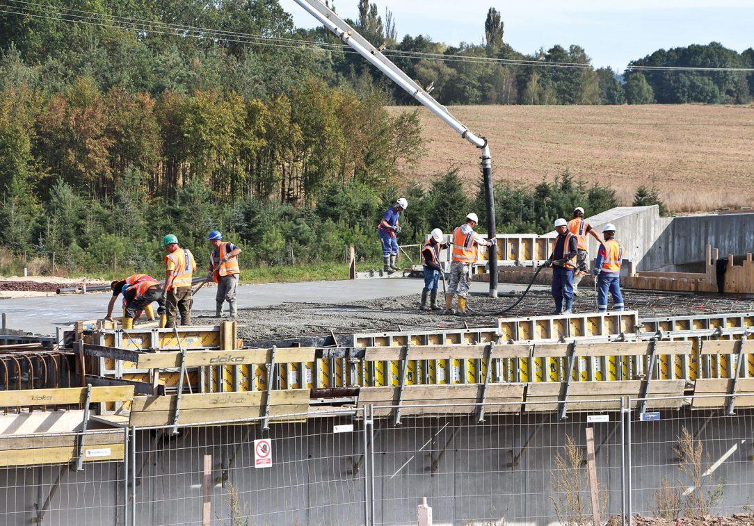 Výstavba úseků dálnice D3 na Českobudějovicku