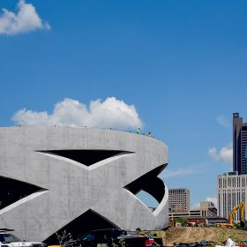 Skvělý výsledek betonáže po odbednění přesvědčil architekty aby upustili od původního záměru a neprováděli žádné dodatečné úpravy povrchu betonu