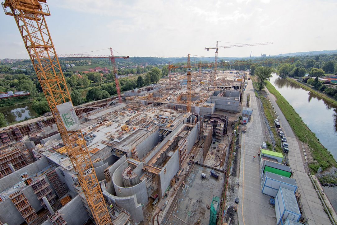 Stavba v červenci 2017