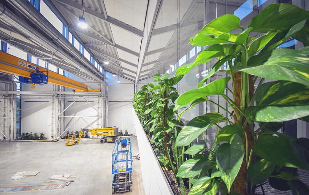 Unikátní zelená budova mění koncept stavění industriálních hal