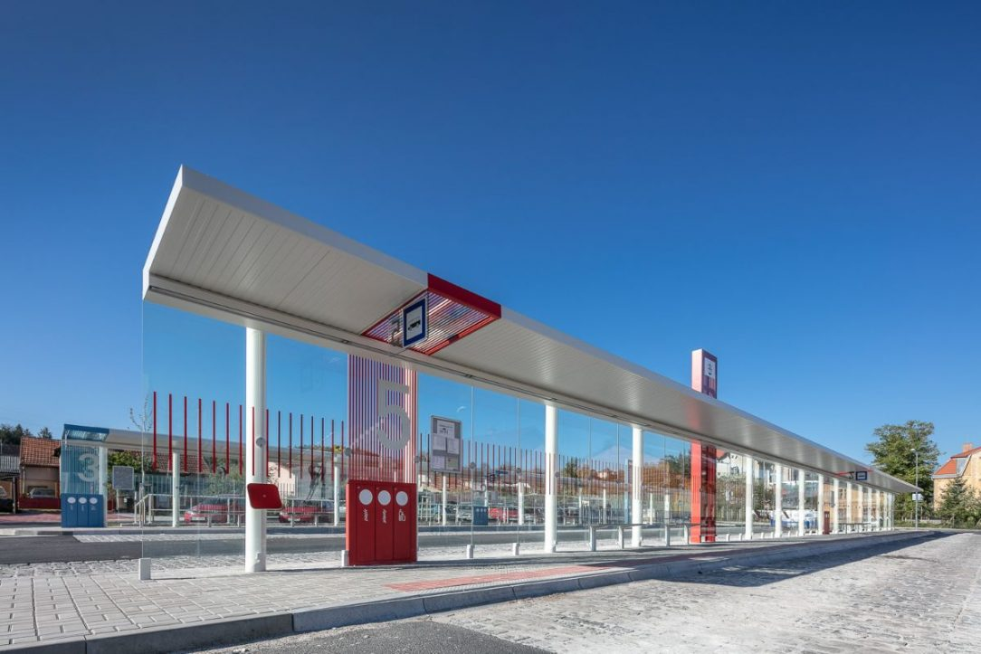 nástupiště pro autobusovou dopravu