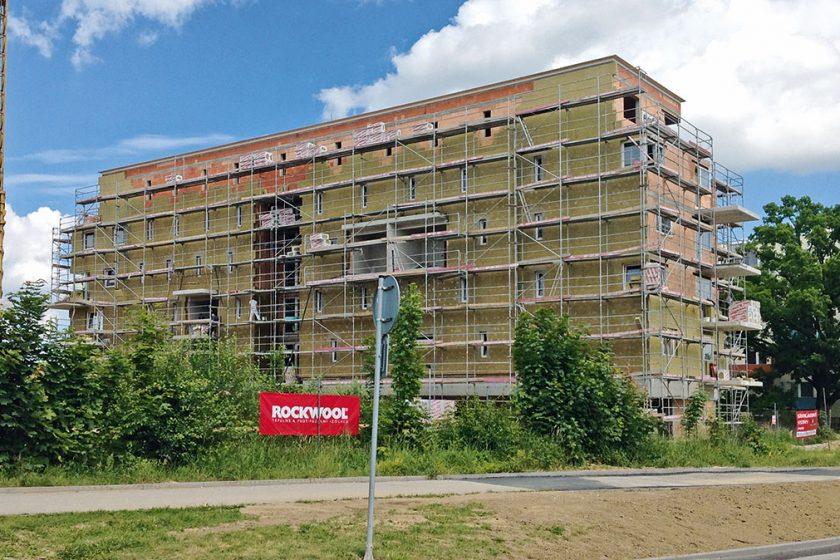 Ideální řešení pro zateplení fasády domu - zateplování nehořlavou kamennou vlnou ROCKWOOL.