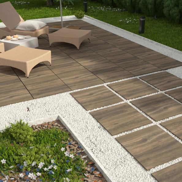 Dlažba Natura wood na terase pokládka do štěrku
