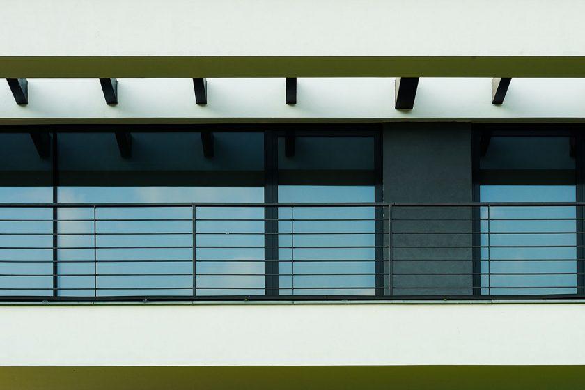 Fasádní systémy heroal C 50 se hodí jak pro soukromou výstavbu tak pro stavbu objektů a lze je díky zušlechťující povrchové úpravě heroal individuálně sladit s pláštěm budovy.