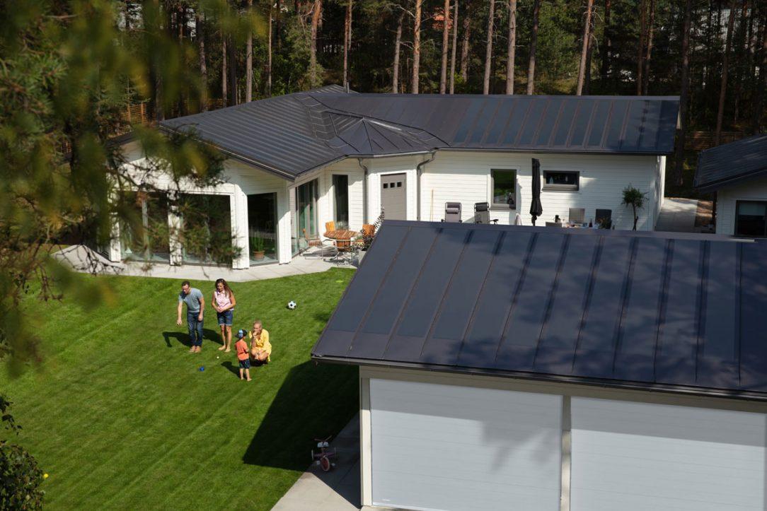 Realizace se střešním systémem Lindab SolarRoof