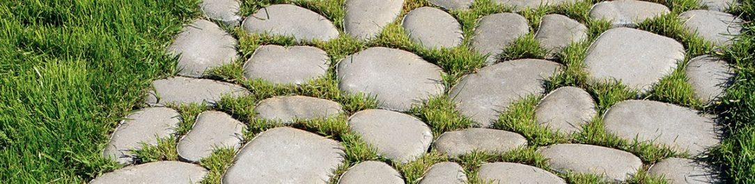 Zatravňovací dlažbou lze v zahradě vytvářet zajímavé vzory
