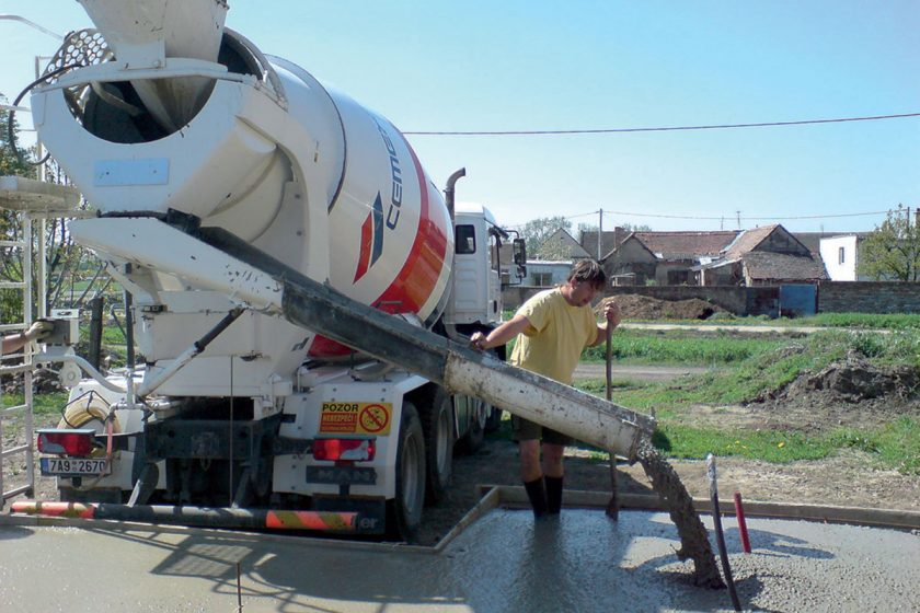 míchání betonu 02