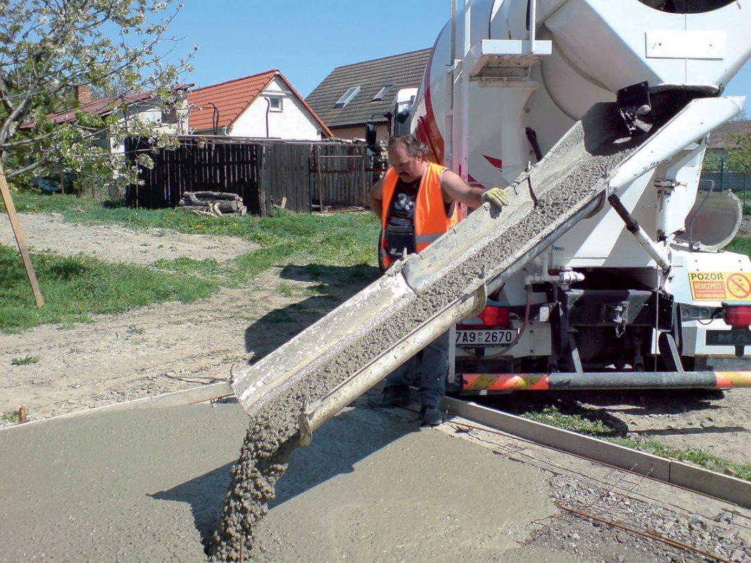 míchání betonu 03