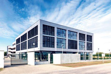 Administrativní objekt a parkovací dům Ekom