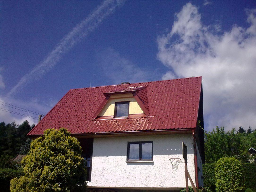 Velkoformátová tabule na sedlove střeše