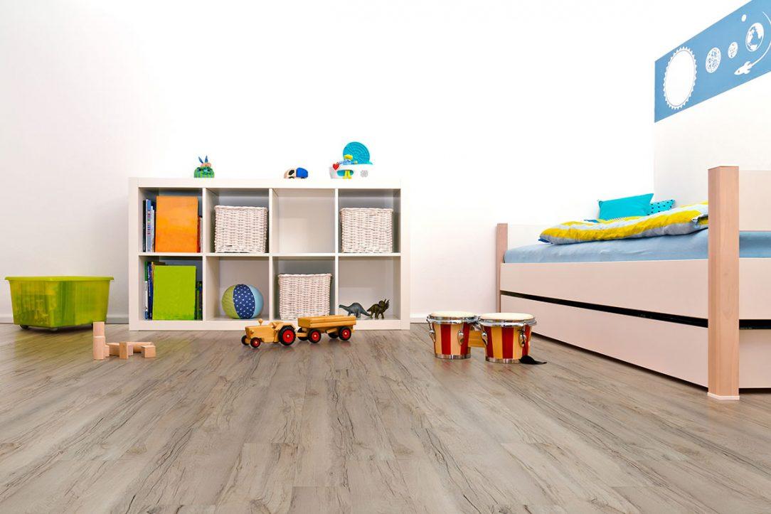 Světlá podlaha v dětském pokoji – Thermofix Ořech koral