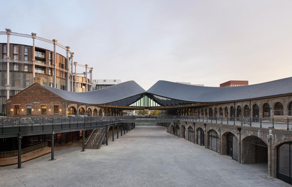 Heatherwick Studio získalo za rozvojové území Coal Drops Yard ocenění za komerční stavby