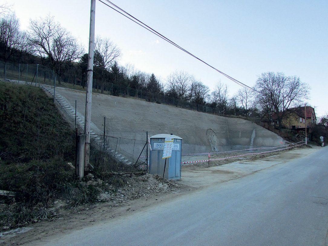 Obr. 7 Dokončená stavební jáma pro únikovou štolu