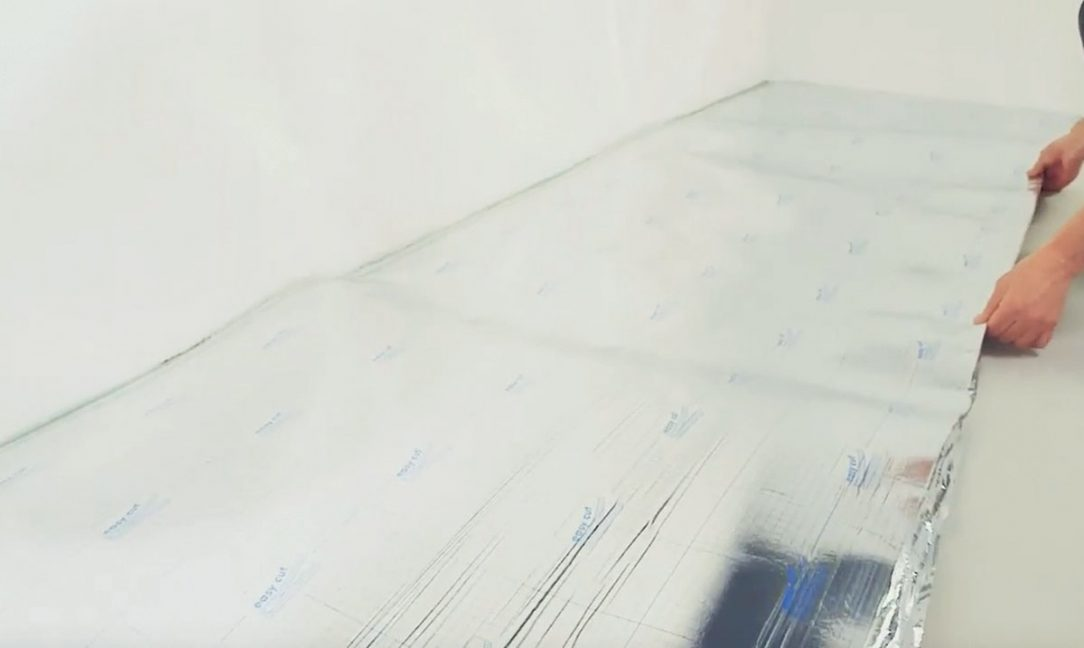 03 Umístění fólie u stěn
