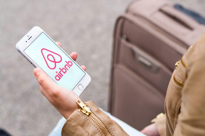 Internetová služba Airbnb původně určená ke sdílení ubytování rychle přerostla v běžné podnikání