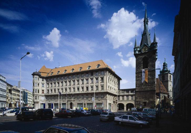 Cukrovarnický palác na Senovážném náměstí se promění na lifestylový Hotel Andaz Prague.