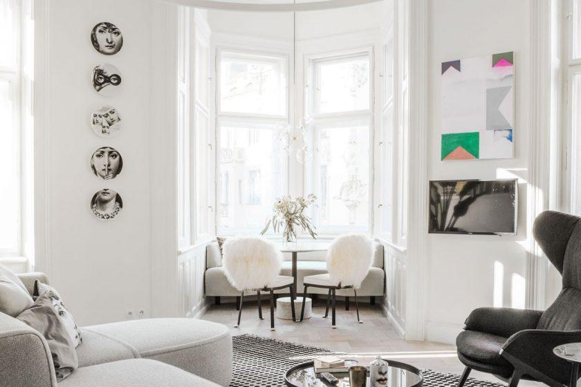 šedobílý interiér 2