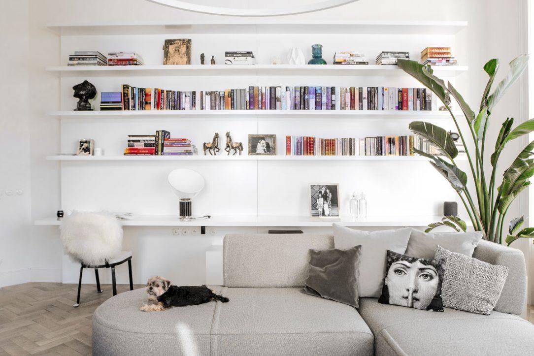 šedobílý interiér 6