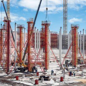 Betonové stropy nádrží budou podepřeny celkem 2 400 betonovými sloupy, vysokými 17 m s průměrem 50 nebo 60 cm. Kruhové sloupové bednění SRS speciálně ztužené pro tento projekt muselo být možné čistit a ošetřit separačními prostředky v poloze nastojato.