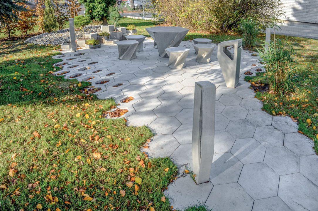 systém H-E-X nabízí ucelený soubor elementů, které se hodí na úpravy parků a veřejných prostranství ulic, pěších zón a náměstí