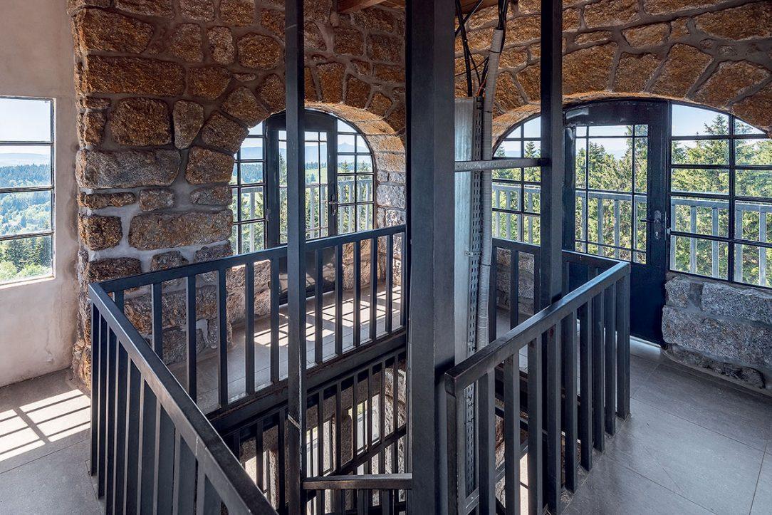 Interiér zrekonstruované rozhledny