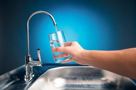 Konečně se zvyšuje i všeobecné povědomí lidí a zájem o trvale udržitelné hospodaření s pitnou vodou