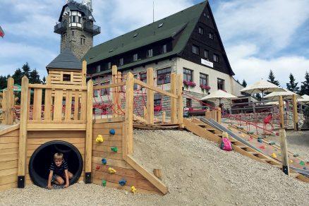 Výletní areál s věží