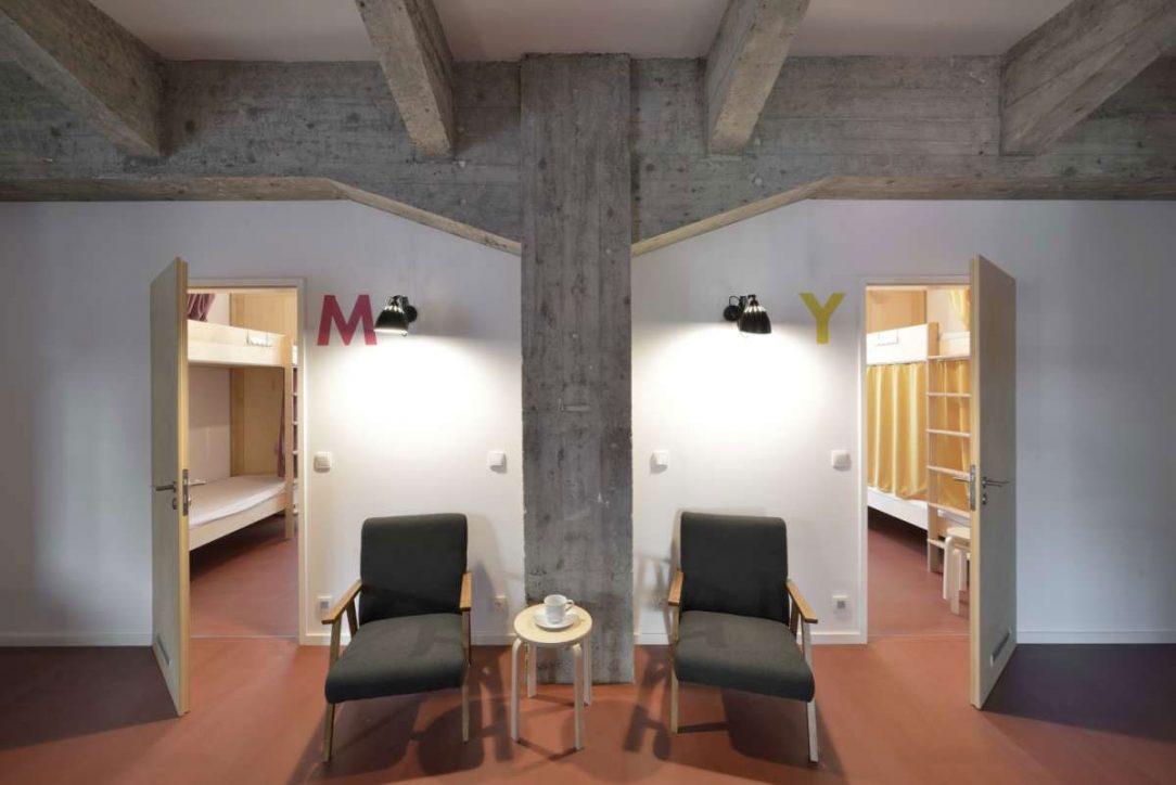 Hostel CMYK 19