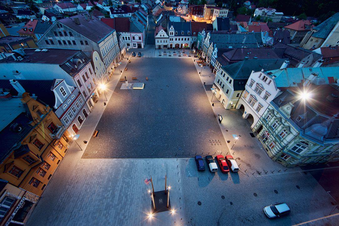 Rekonstrukce náměstí ve Frýdlantu, architekti: Vladimír Balda a Jiří Janďourek