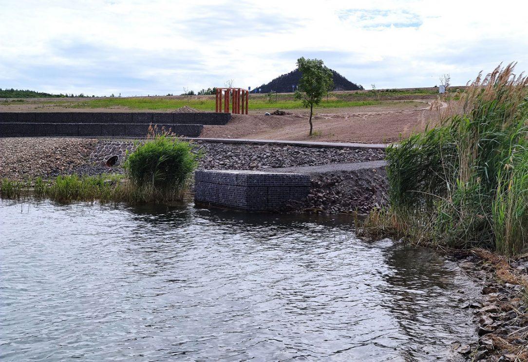 Nejvíce přístupových prvků bude na největším jezeře Most