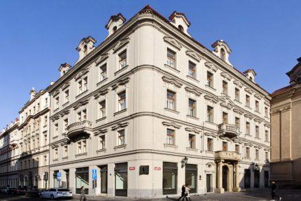 Secesní Kafkův dům v Praze v blízkosti Staroměstského náměstí po rozsáhlé rekonstrukci