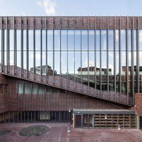 Slezská univerzita, fakulta rozhlasu a televize, Katowice, Polsko