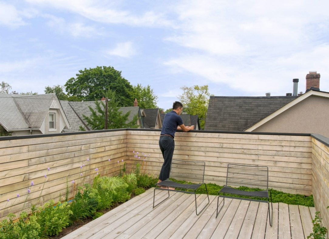 15 Contrast House roof deck small