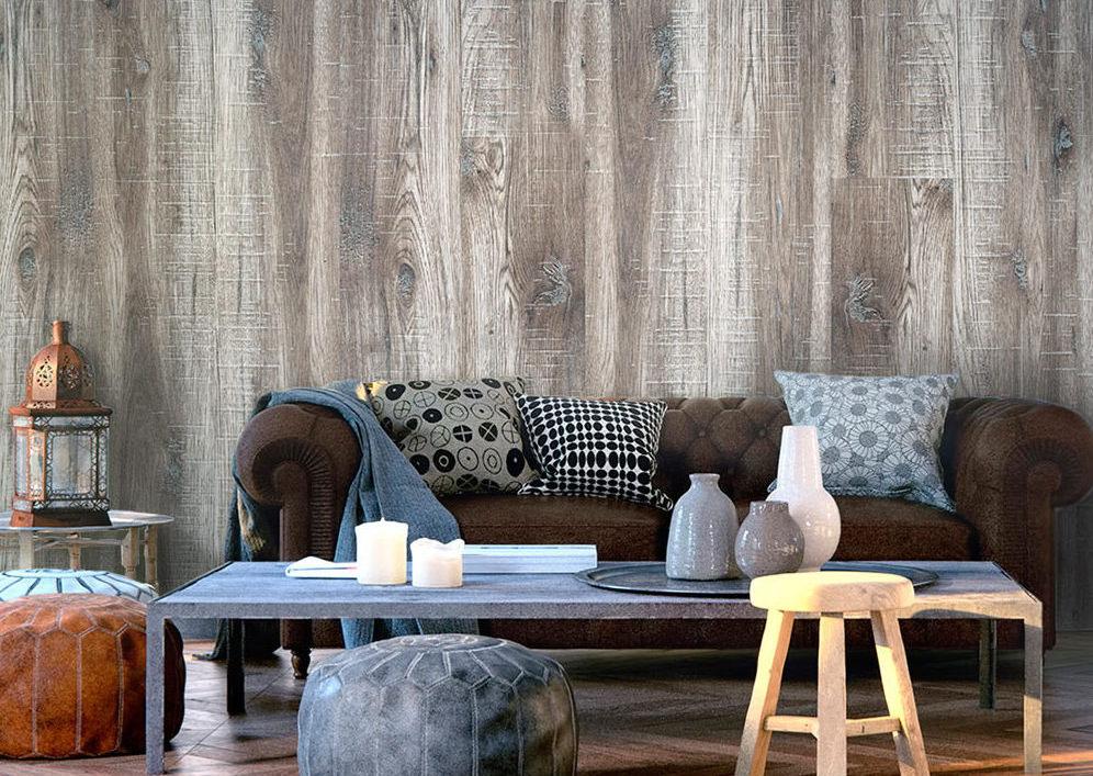 Imitace dřeva je velmi oblíbená i ve formě vliesových tapet