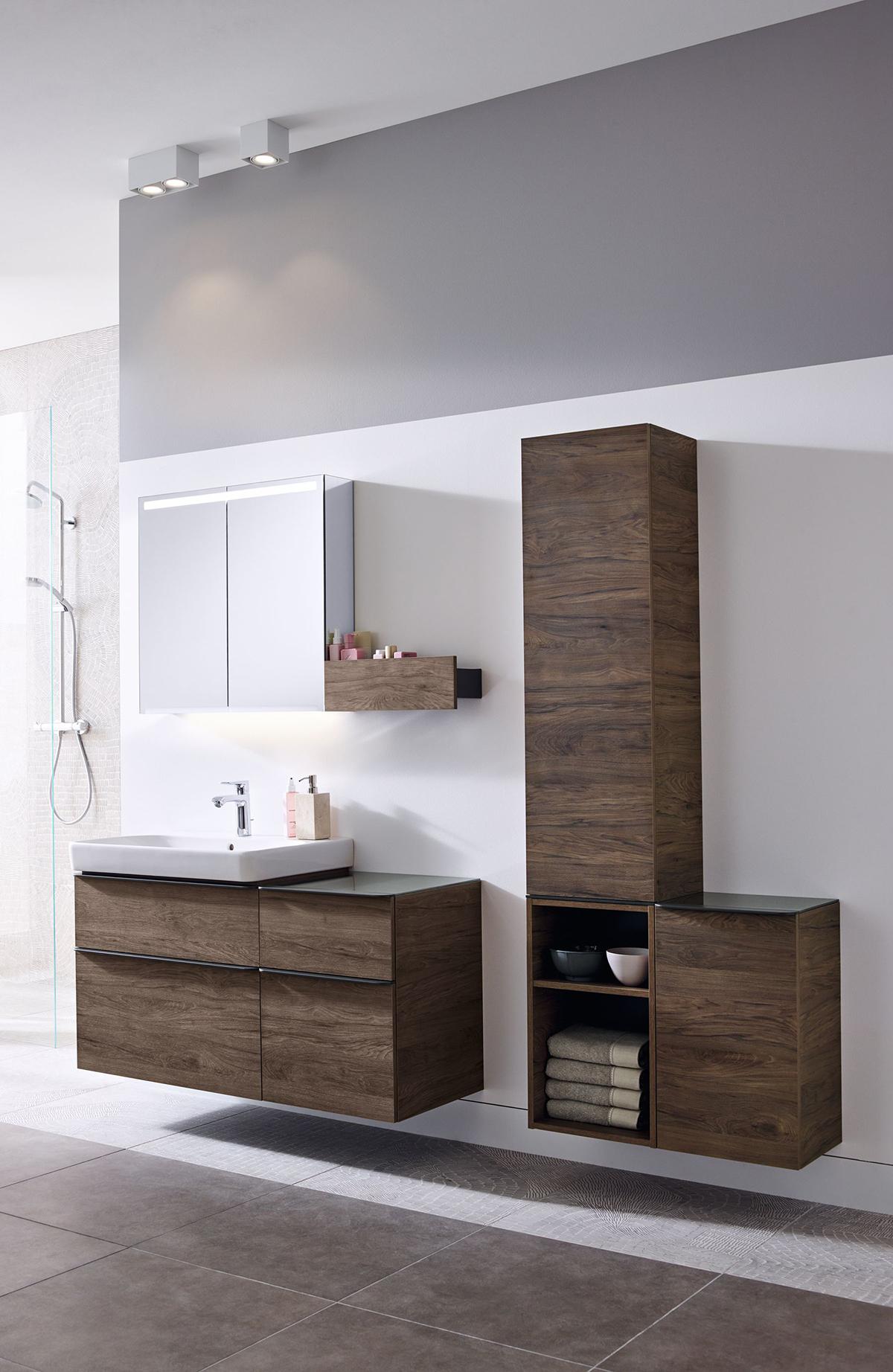 obr.6 2019 Bathroom 06 C with light Geberit Smyle Big Size