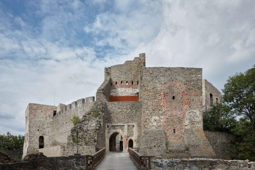 helstyn castle palace reconstruction atelier r boysplaynice 08 1200