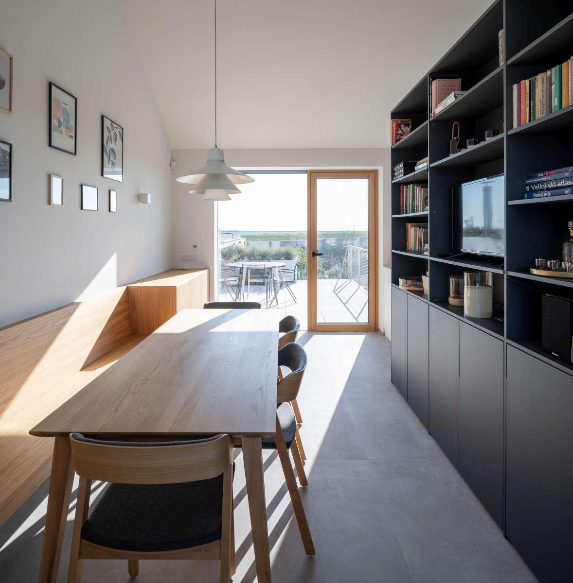 family house with atrium senaa alex shoots buildings 11 1200