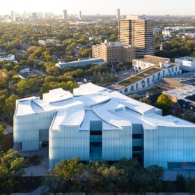 Budova Nancy a Riche Kinderovych Muzeum umeni v Houstonu c Iwan Baan