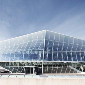 AGC představuje škálu skel s protisluneční ochranou se třemi vrstvami stříbra!