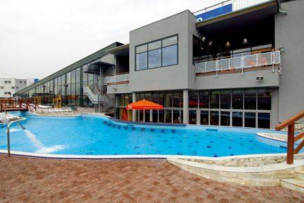 Aqua Palace - hypermarket vodních atrakcí