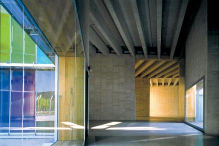 Architektura pikareskní barvitosti