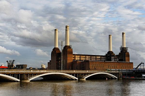 Bude z ikonické uhelné elektrárny Battersea muzeum architektury?