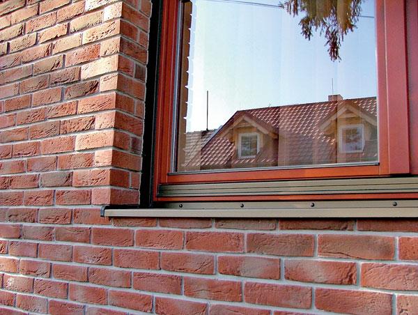 Chyby při montáži oken a parapetních desek