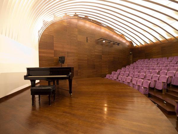 Citlivá rekonstrukce podkarpatské Filharmonie Artura Malavskiého v Řešově