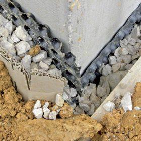 Co říká praxe na četnost některých chyb a poruch staveb?