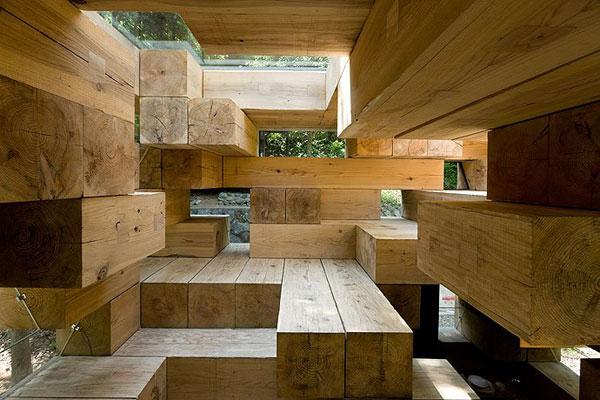 Dřevěný bungalov od Sou Fujimota