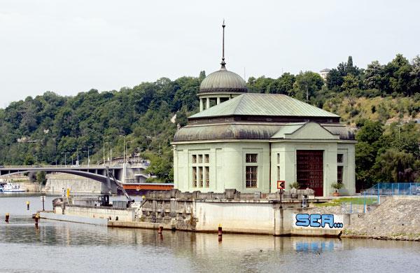 Elektrárna na pražském ostrově